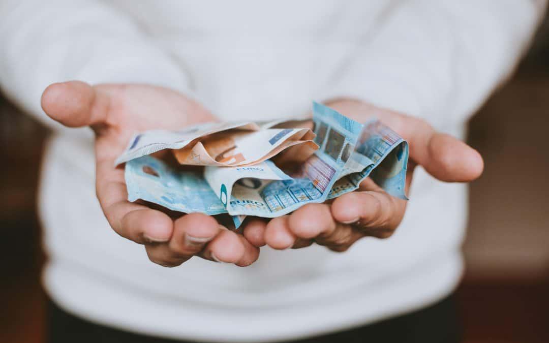 cine și cum a câștigat bani din depozite comerț cu ridicata