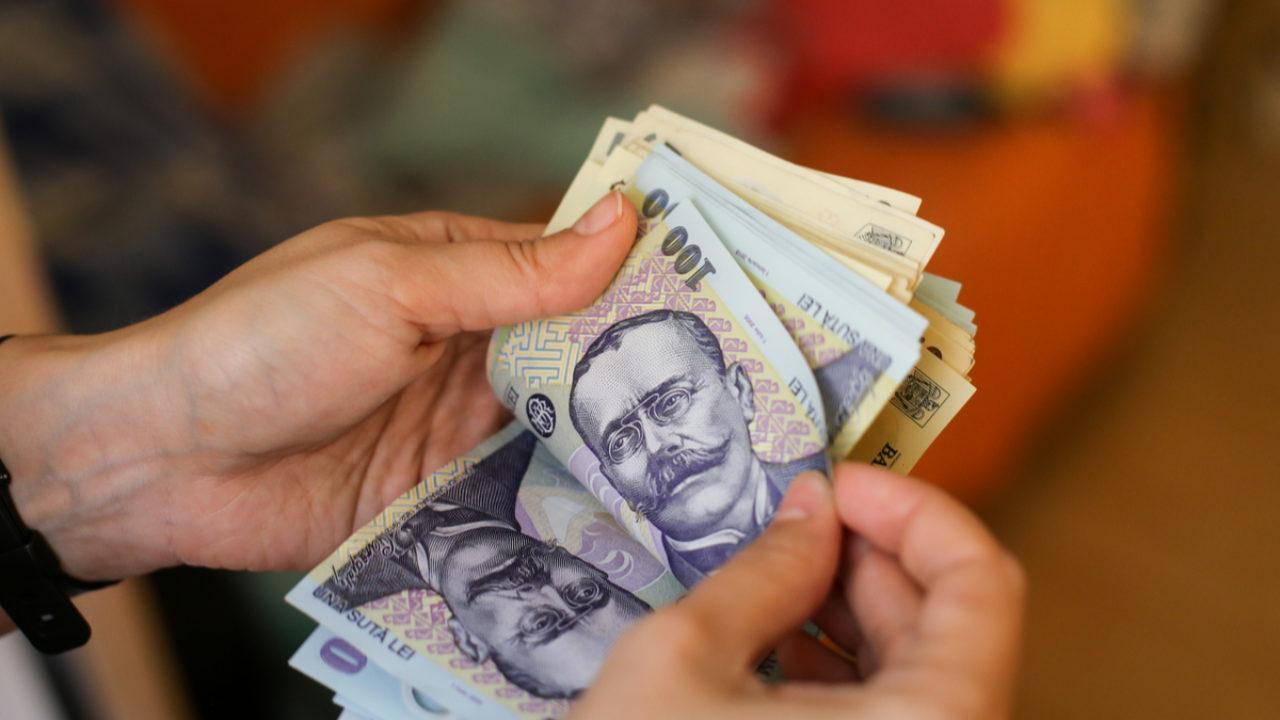 știri comerciale pe internet câștigând bani pe investiții pe recenzii pe Internet