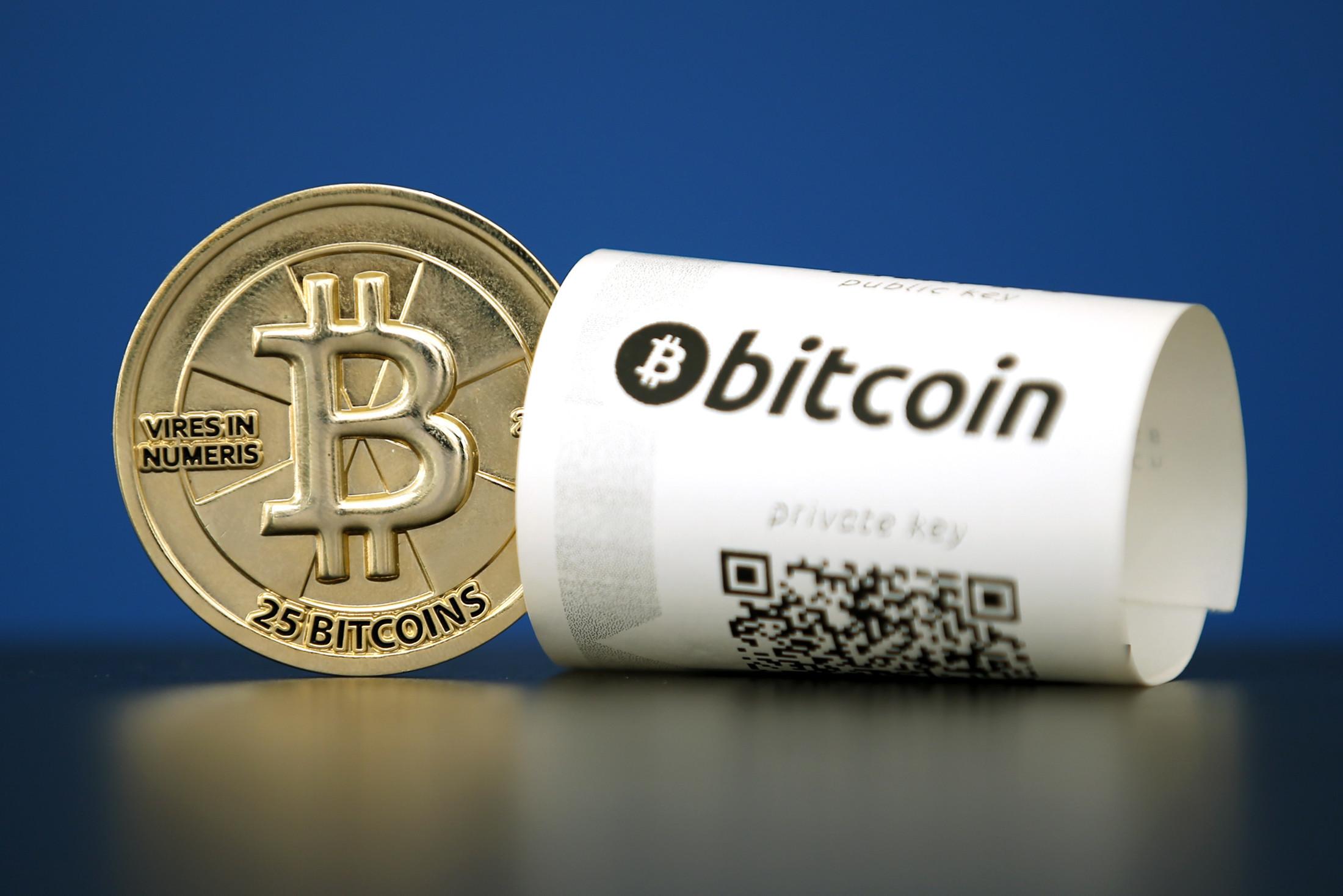 câștigurile prin recenzii bitcoin faceți bani de la distanță