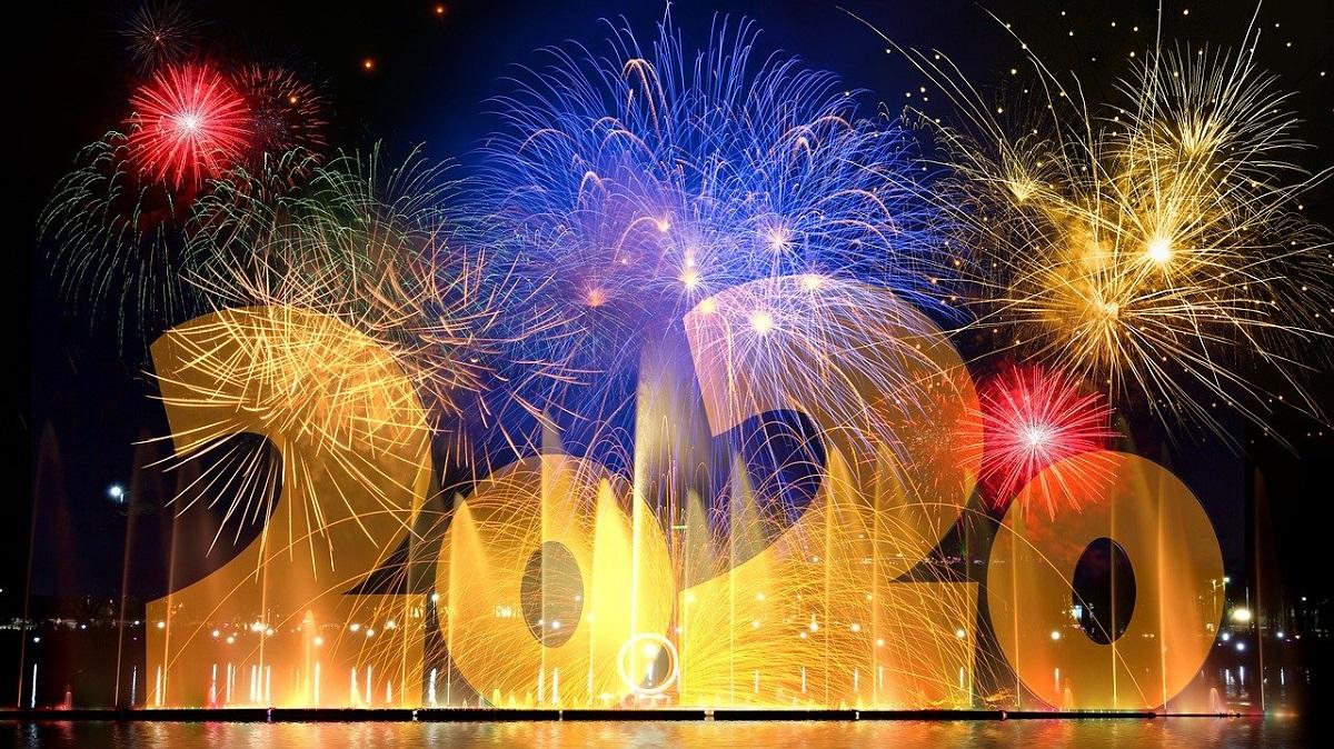 Ajunul Anului Nou 2021. Tradiții și superstiții în noaptea dintre ani în România și în lume